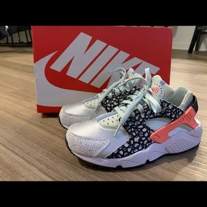 Nike Huarache Sneakers womens size 8